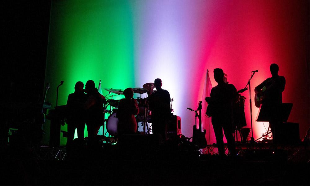 IVA de músicos y artistas