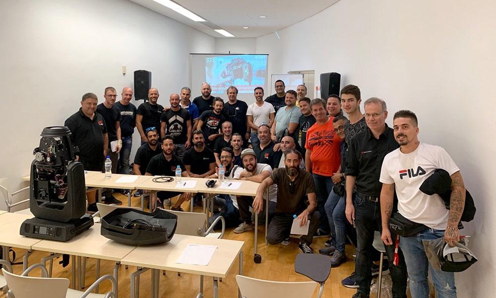 El Taller de Mantenimiento Técnico de Robe organizado por EES aterriza en Canarias arropado por numerosos profesionales