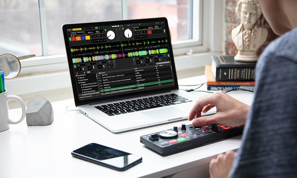 Numark presenta su nuevo mini controlador con controles táctiles DJ2GO2 Touch