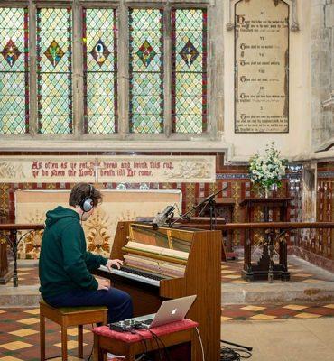 Audient iD14 graba la historia en una iglesia de Gloucester del siglo XII