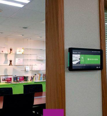 EARPRO se alía con Oomnis para ofrecer soluciones para la gestión del aforo y la reserva de espacios en entornos corporativos