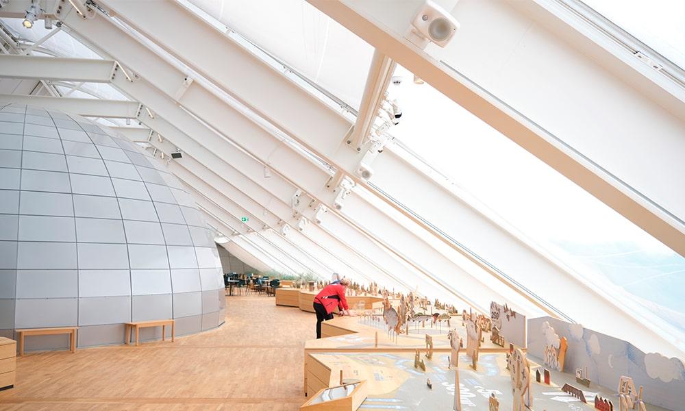 Genelec aprovecha los elementos en el Naturkraft Experience Centre con Smart IP