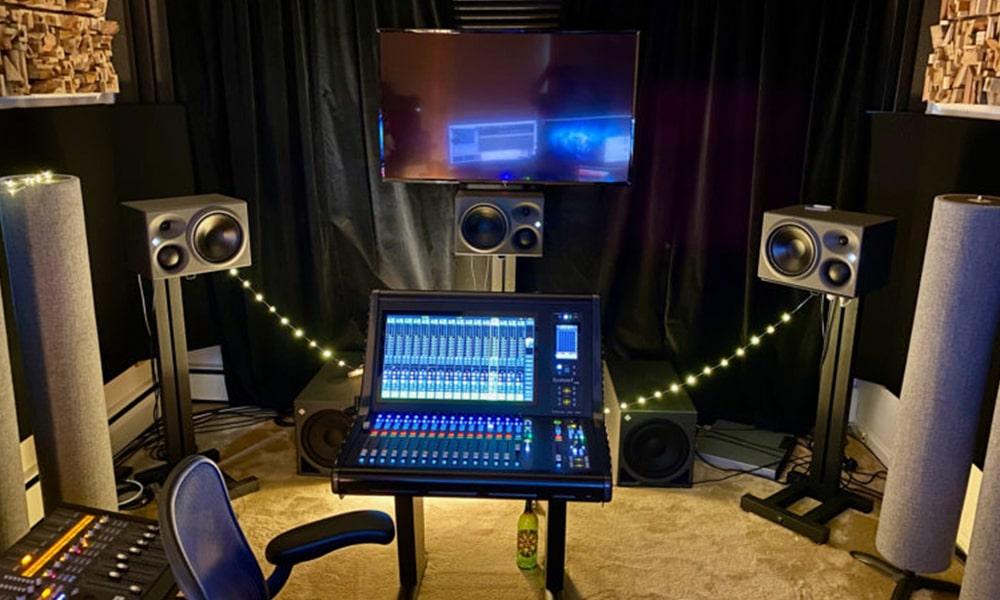 John Harris estableciendo nuevos estándares para la grabación remota y la mezcla con Neumann Monitoring Array